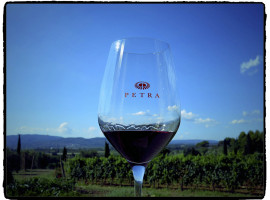 PETRA WINE